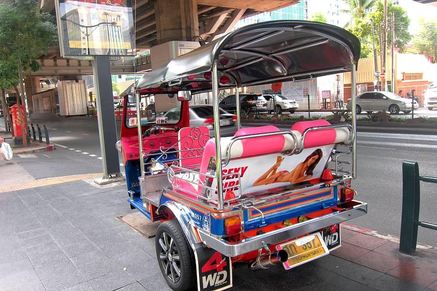 tuk tuk in bangkok touristenfalle abzocke schlepper. Black Bedroom Furniture Sets. Home Design Ideas