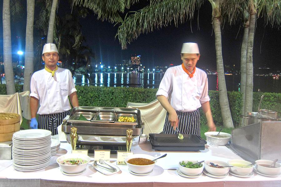 Dusit Pattaya Barbecue-Buffet