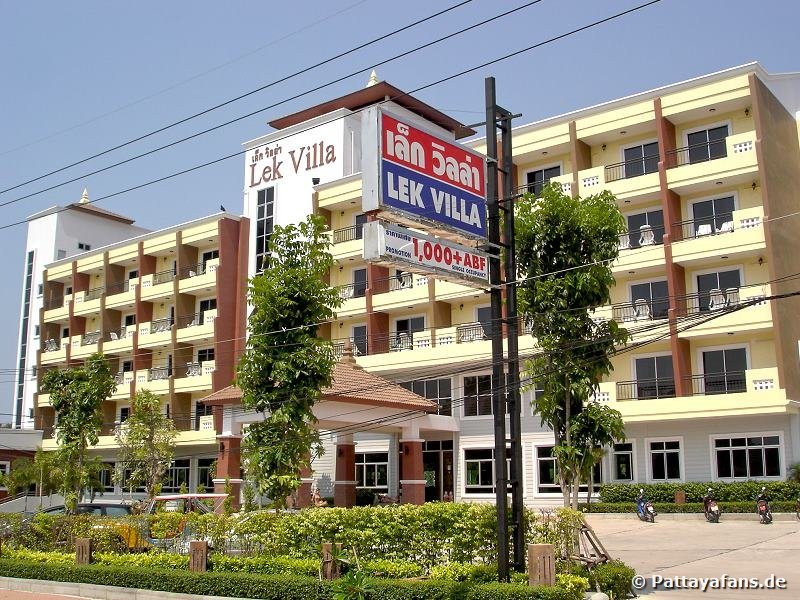 Lek villa pattaya naklua for Lek hotel pattaya