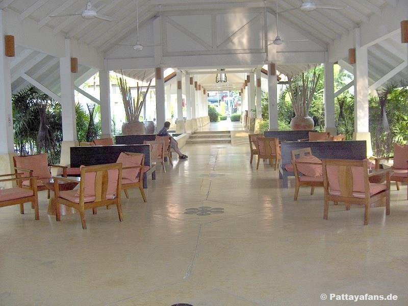 Sunshine garden resort hotel pattaya hotelbewertung for Katzennetz balkon mit pattaya garden resort bungalow