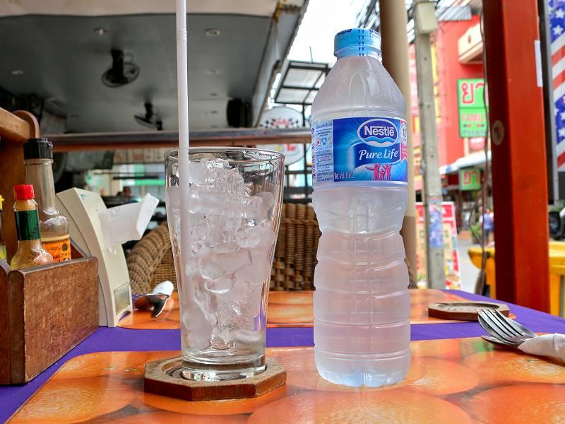 trinkwasser leitungswasser und eisw rfel in thailand bedenkenlos trinken. Black Bedroom Furniture Sets. Home Design Ideas